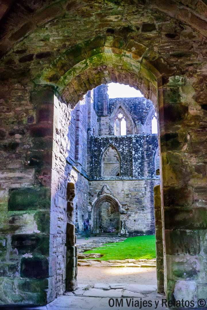 Abadía-Tintern-Gales