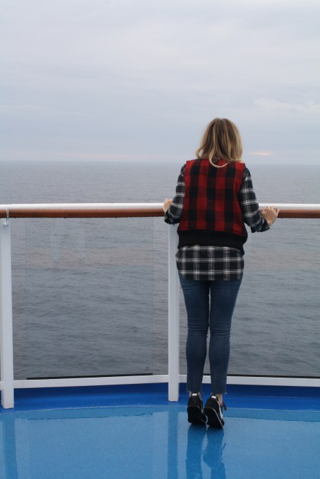Travel blogger, what i wore, cruise, OOTD, what to wear, travel style, madewell, PNW, casual, plaid, Buffalo plaid vest, Come Seek with Royal Caribbean