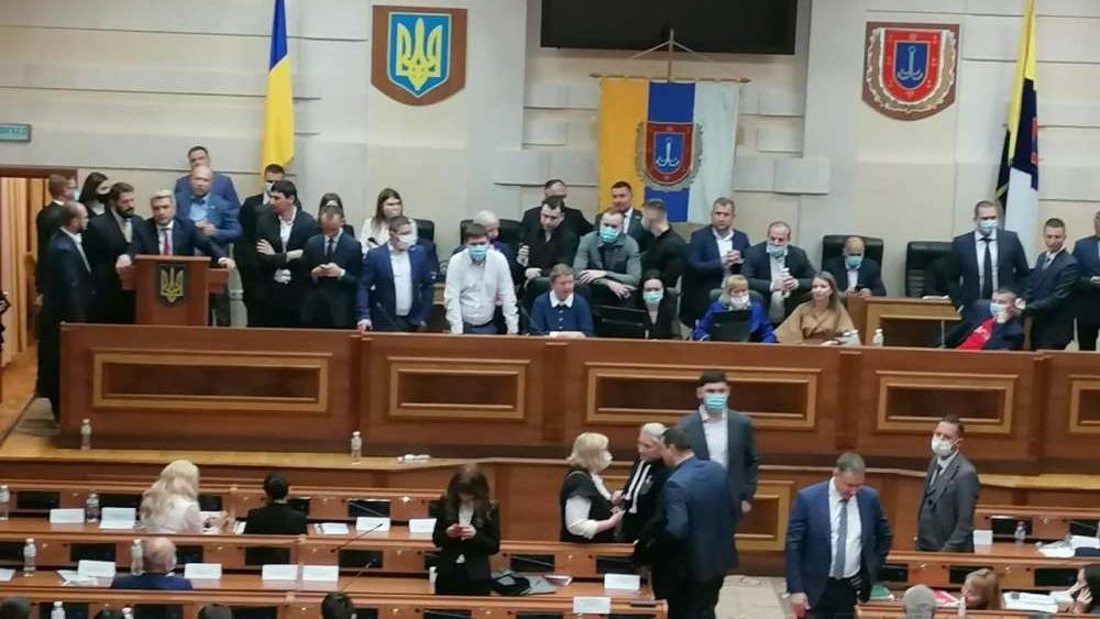 deputati_prodoljayut_buntovat_v_odesskom_oblsovete_ob_yavili_pereriv_pervoy_sessii_9911-Cropped.jpg