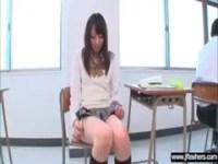 激カワ制服ギャルが授業中にオナニーしてるオな二ー動画