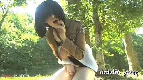 コスプレをした巨乳な美女が野外でおまんこを激しく弄りビクビクと昇天していく無修正オナニー動画