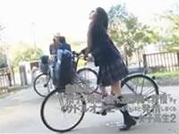 女子校生の自転車サドルオナニーが堪らなくエロい作品