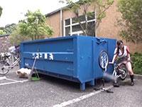 こんな屋外擦り付けオナニー見たこと無い!媚薬発情したJKが自転車の車輪を使って変態擦り付けオナニー!