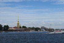 Vue sur la Neva et le fort Pierre & Paul à Saint Petersbourg