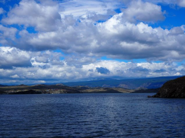 Nuages au dessus du lac