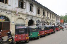 Rangée de Tuk-Tuk à Kandy