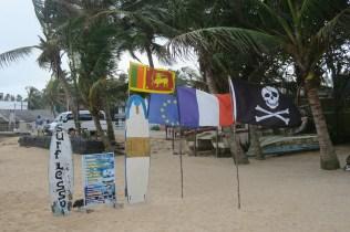 Drapeau Français, Européen, Sri Lankais, et pirate