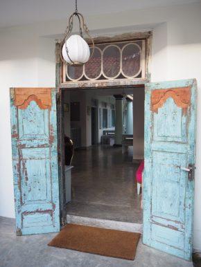 Portes d'une maison coloniale