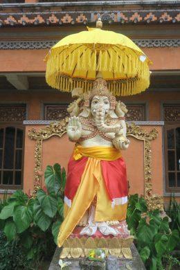 Statue de Ganesh, dieu éléphant de la sagesse, à l'intérieur d'un complexe de maison balinais
