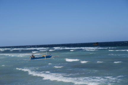 Un bateau partant vers le large