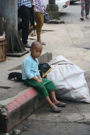 Un enfant qui attend