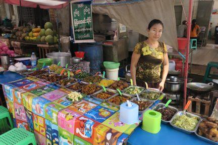 Cuisine locale dans une échoppe de rue