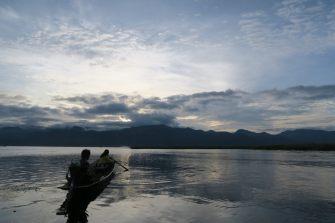 Lever de soleil sur le lac Inle