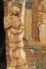 Détail d'une sculpture sur une pagode à Indein