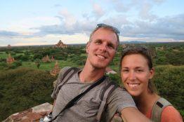 Selfie lors du coucher de soleil à Bagan