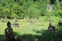 """Des centaines de statues de Buddha dans la """"Buddha valley"""""""