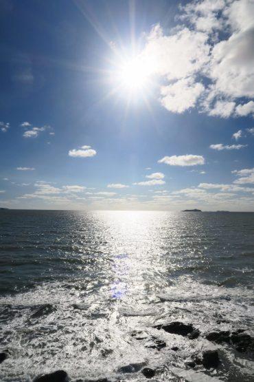 La mer sous le soleil du matin... Si belle