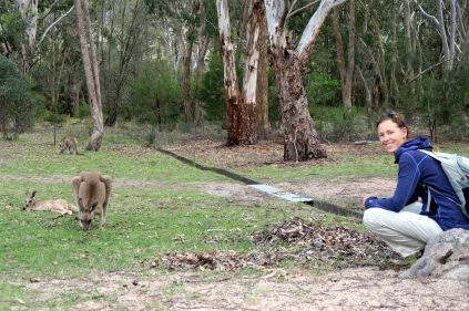 Elise pose avec les Kangourous