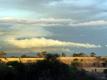 L'orage se prépare au loin