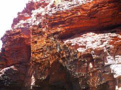 Réflections de l'eau sur la roche à Handrail pool