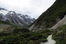 "Un des ponts suspendus de la ""Hooker Valley Track"""