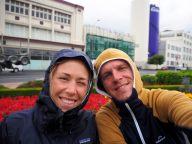 Devant la gare de Dunedin, sous un petit crachin