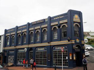 Pub local