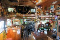 """A l'intérieur du bus de la """"Lost Gipsy Gallery"""""""