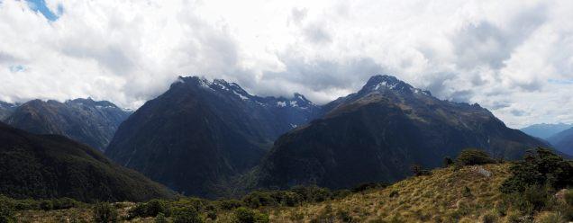 Vue sur les montagnes avoisinantes au Key Summit