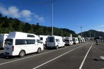 Dans l'attente de monter dans le ferry à Picton
