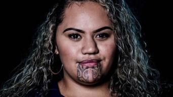 https://www.vice.com/fr/article/mvznk3/des-femmes-maories-nous-parlent-de-leur-tatouage-facial