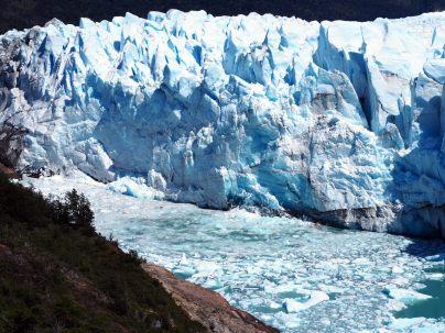 "La ""proue"" du glacier, la plus proche de la roche"