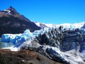 La proue du glacier, la plus proche de la roche