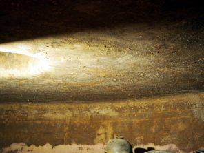 Cristaux laissé sur la paroi des cuves à vin, Famillia Di Tommaso, Mendoza