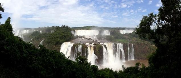 Panorama des chutes d'Igazu (vue coté Brésilien)