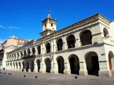 Cabildo de Salta, sur la Plaza 9 de Julio