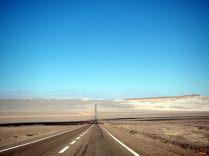 Sur la route vers La Vallée de la Mort de la Vallee del Arcoiris