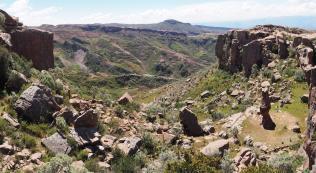 Paysages du parc de Toro Toro (Panorama)