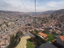 Premières vues de haut sur La Paz, à bord du téléphérique