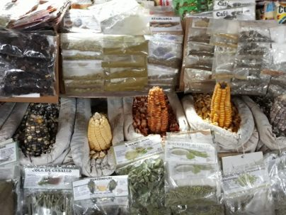 Variétés de Mais au marché San Pedro de Cuzco