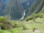 Vue plongeantes sur les terrasses agricoles et le Rio Urubamba