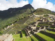 Vue sur la partie urbaine ainsi que les terrasses agricoles du Machu Picchu