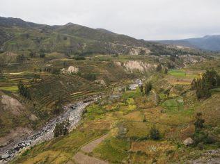 Le rio Colca au fond du canyon