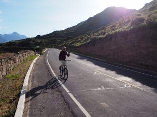 Descente à vélo le long du canyon !