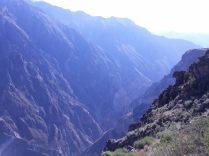 La brume et le soleil au canyon de colca