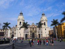 Facade de la cathédrale de Lima, Plaza Mayor