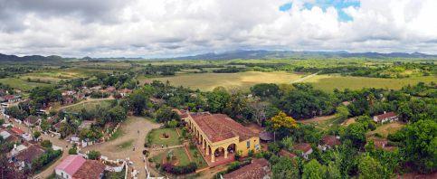 Vue panoramique sur la vallée de los Ingenios, depuis le haut de la Torre Manaca à Iznaga