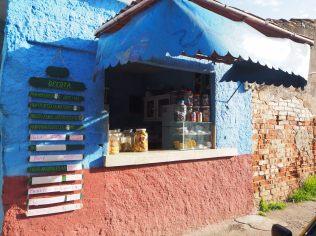 """Epicerie pour les """"locaux"""", Trinidad"""