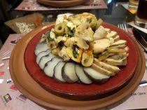 Salade de pommes de terre, poulet et légumes
