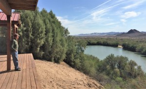 The deck of the Hosienda looks over the swimming lake on the river bottom and provides a beautiful and peaceful setting,